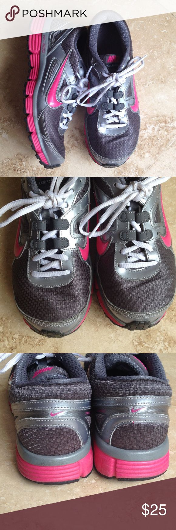Nike Dual Fusion sneakers Worn once. In excellent condition. Nike Shoes Sneakers