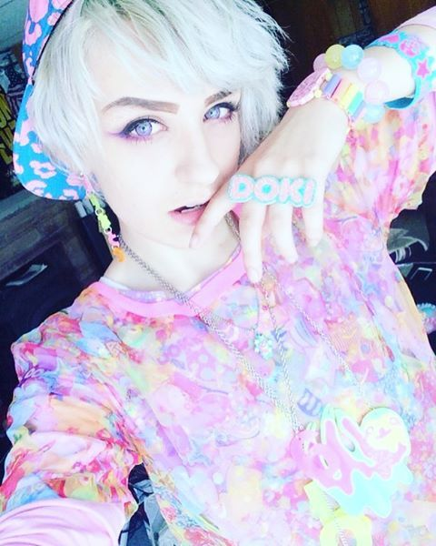 I need clothes like this ;o