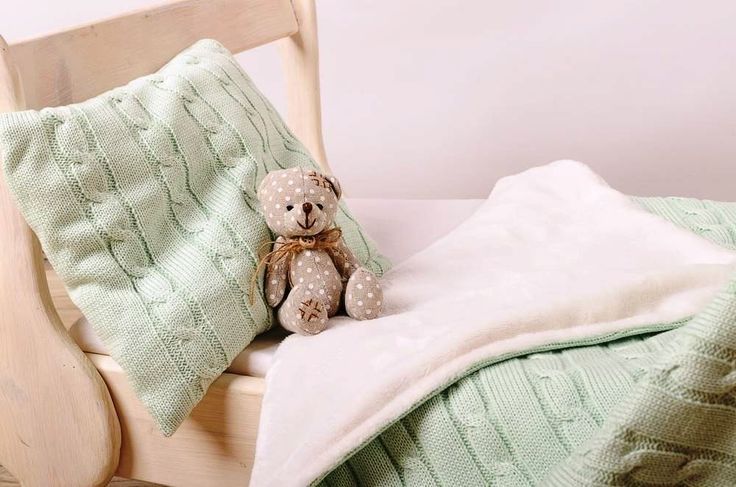 ❀ Cena: 1420 CZK + 120 CZK doprava ❀ Zateplená deka COP 80x110cm, zelená - Objednejte si hřejivou, zateplenou deku s jemnou podšívkou pro chladné dny v barvě zelené, vzor COP. Zahřejte Vaše miminko v chladné dny.     Deka:  Rozměry:80cm x 110cm +- 5%  Materiál: 50%… | vavavu