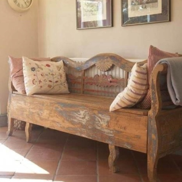 Love this vintage entry way bench!