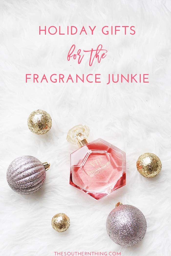 Holiday Gifts for the Fragrance Junkie. What to gift the perfume lover, plus a fragrance beauty giveaway. #ad