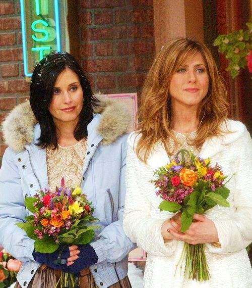 Friends (1994 – 2004) - Jennifer Aniston, Courteney Cox, Lisa Kudrow, Matt LeBlanc, Matthew Perry, David Schwimmer