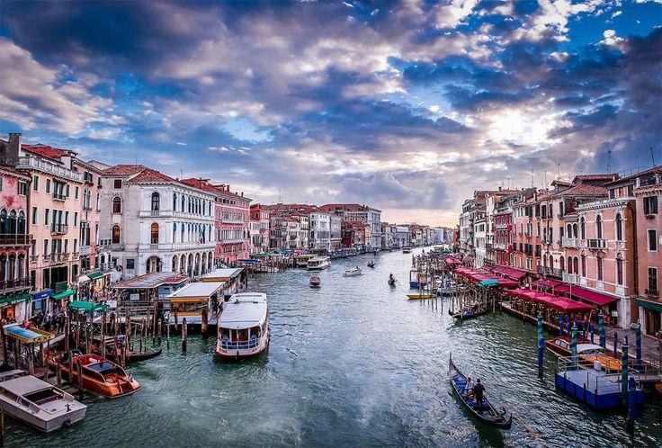 View From Rialto Bridge, Venice By Andrés Nieto Porras
