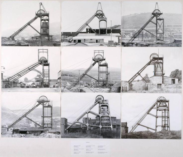 Bernd & Hilla Becher /// 1974 /// Födertürme (Chevalement de mine) /// Photographie sur panneau /// 113 x 132 cm