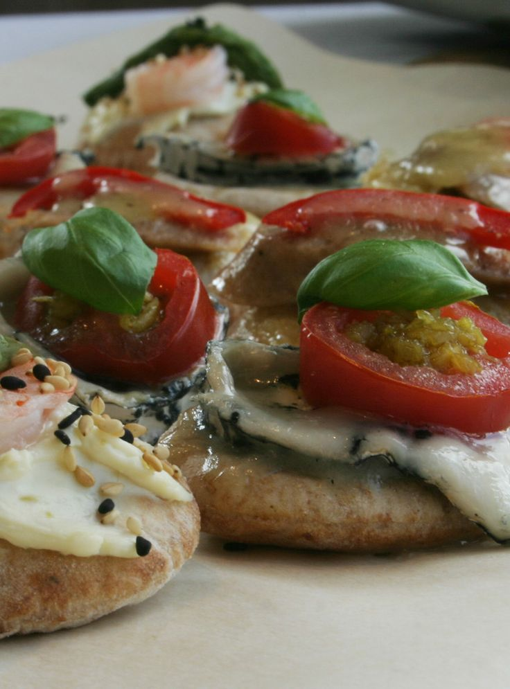 Trio of mini-pizzas for garlic lovers. Must try @LePetitMas fermented garlic scapes.