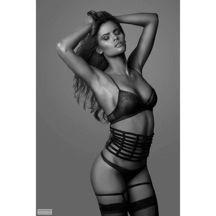 Séance lingerie avec la magnifique Ohana #photo #intimacy #canon #shooting #nu #charme #brune #modele #book #portrait #closeup #glamour #lingerie #noiretblanc #sensuelle #body #sport - lingerie pictures, saxy lingerie, shopping lingerie