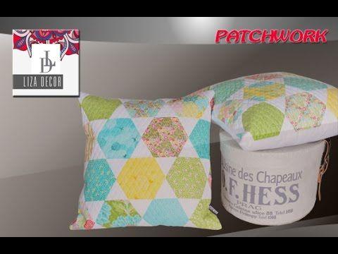 Postup při tvorbě patchworkového polštářku z hexagonů.