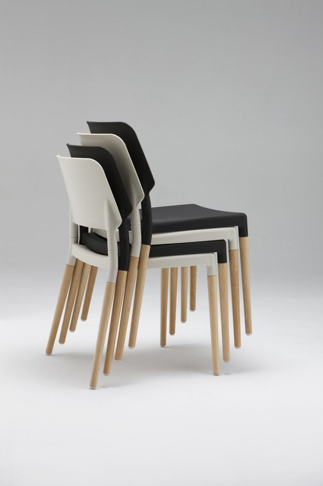 Belloch Dining Chair Black with Aluminium Legs by Santa & Cole