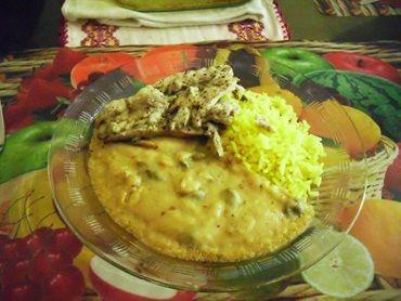 Anchova com purê de alcaparras e arroz ao curry