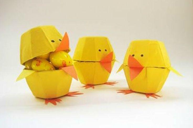 Sabe aquelas caixas de ovos que você costuma jogar fora?! Hoje trouxe para você o passo a passo de como fazer um lindo pintinho de caixa de ovo.