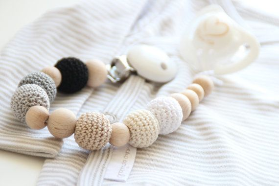 Neutral baby pacifier clip / Teething dummy holder / Crochet