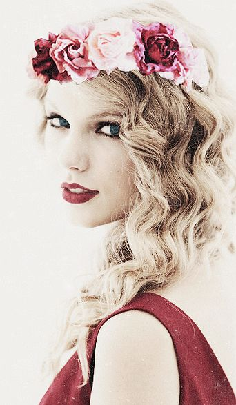 Taylor Swift In Boho-Hippie Style<3