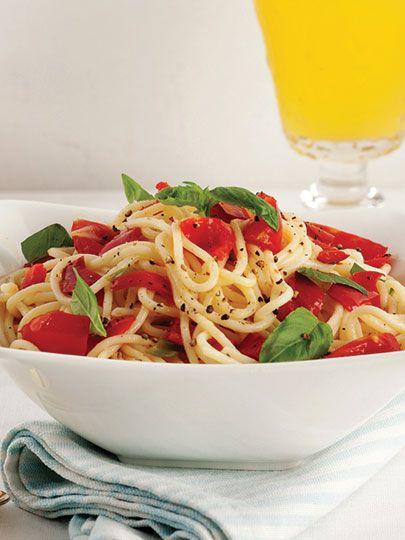 Biberli ve kiraz domatesli spagetti Tarifi - Türk Mutfağı Yemekleri - Yemek Tarifleri