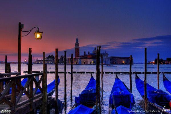 venice at night: Buckets Lists, Gondola, Favorite Places, Dreams, Places I D, Venice Italy, Honeymoons, Italy Travel, Photo
