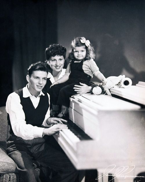 Frank Sinatra, wife Nancy Barbato, and daughter Nancy (1944)