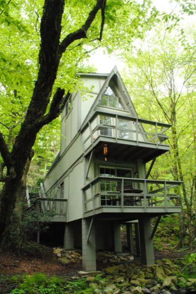 Cool A-frame cabin
