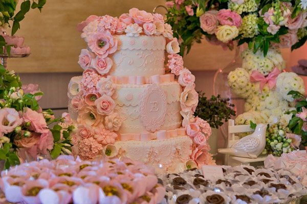 Bolo de batizado rosa - mesa de doces ( Bolo: Piece of Cake )