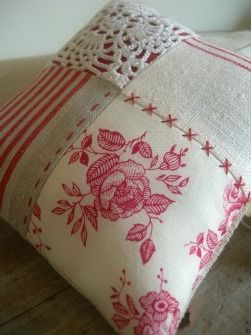 I like the mixture of scrap fabrics and old doily to create this pillow. ༺✿ƬⱤღ http://www.pinterest.com/teretegui/✿༻