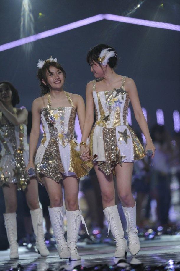 AKB48 --!✮ • Takahashi Minami (left) & Maeda Atsuko (right) • Japanese Pop Idol band --!♡