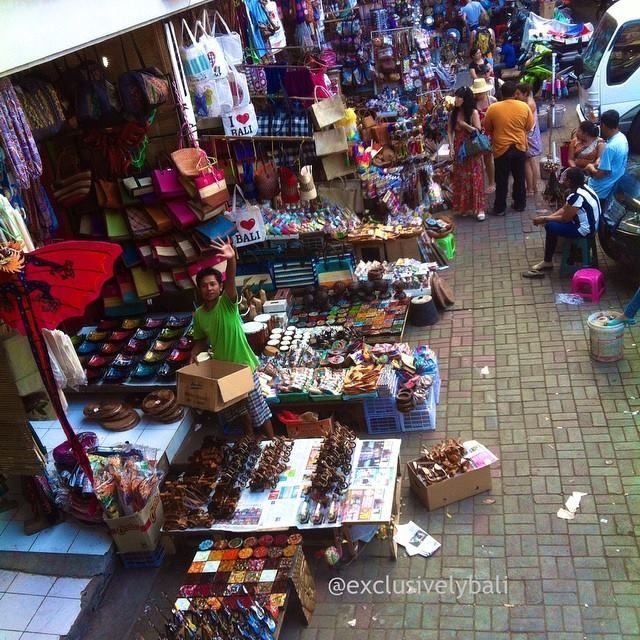 Shopping in market stalls or from beach sellers can be a challenge at the best of times. Consider these handy tips: Negotiation is expected. First offered prices are often double or triple the re…
