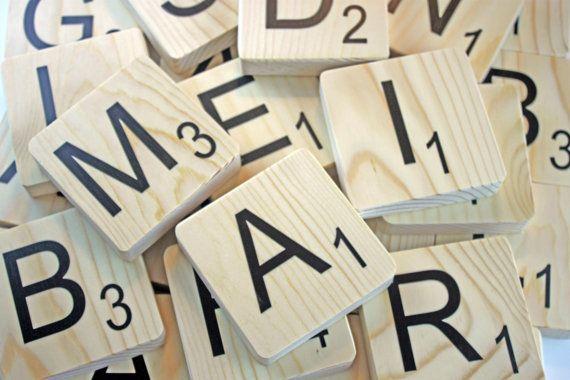 les 25 meilleures id es de la cat gorie lettres scrabble sur pinterest collage de lettre. Black Bedroom Furniture Sets. Home Design Ideas