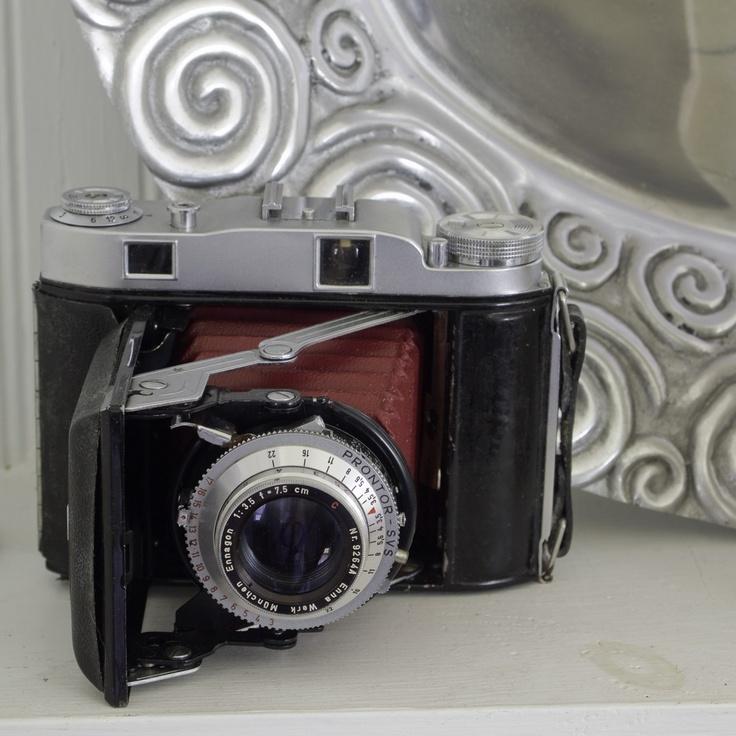 Beautiful #vintage camera, #camera