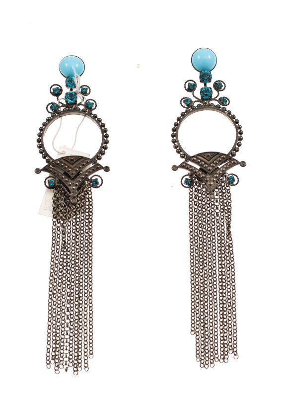Chandelier earrings with blue Swarovski crystals and beads