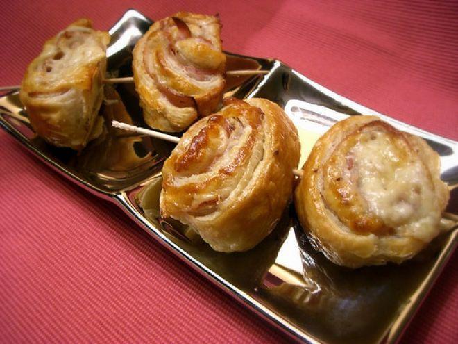 Ricetta Altro : Spiraline di sfoglia con prosciutto cotto, edamer e rosmarino da Pane al pane...Vino al vino