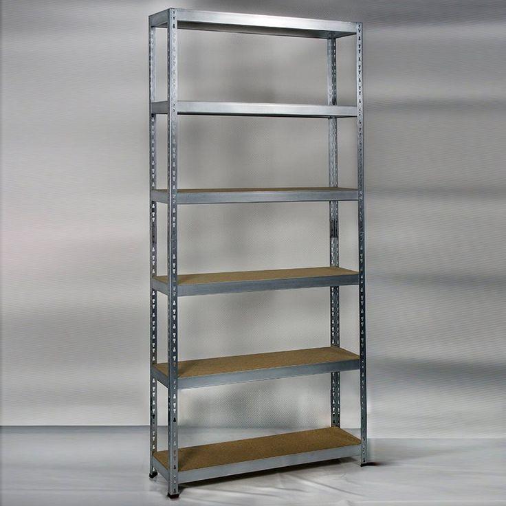 En praktisk förvaringshylla i galvaniserad metall med sex hyllplan av trä. Perfekt anpassad för förvaring i garage, förråd eller arbetsrum.