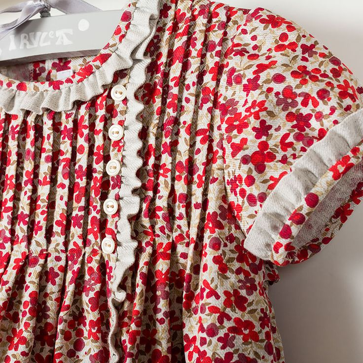 Girl dress with red flowers. Ref:36740....79.00€