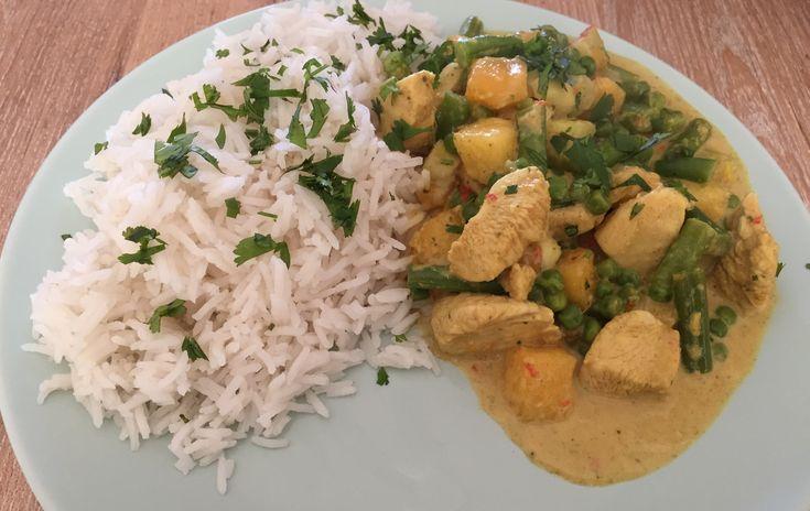 Zelf Thaise gele currypasta maken? Manneneten geeft je een recept welke als basis kan dienen voor jouw eigen Thaise curry. ✓Zelf maken ✓Thaise currypasta