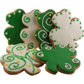 It's all about the shamrock.: Cookies Ideas, Saint Patrick'S, St. Patties, Clovers Cookies, Shamrock Cookies, Cookies Decor, Decor Cookies, Birthday Cookies, St. Patrick'S Day