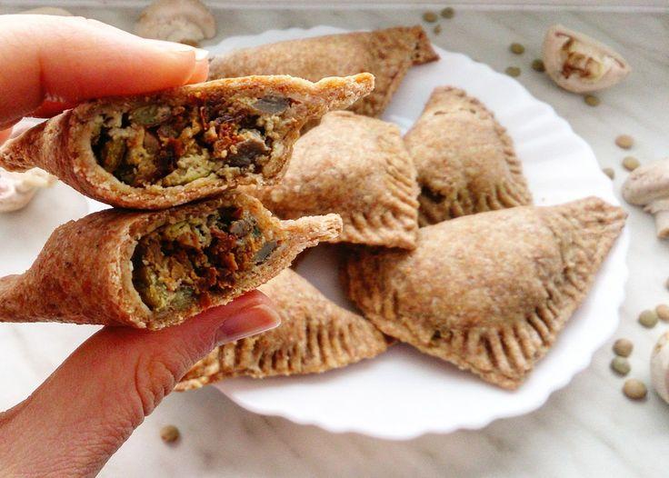 Eat With Camilla: Špaldové šátečky plněné žampióny / Spelt pastry with mushroom filling