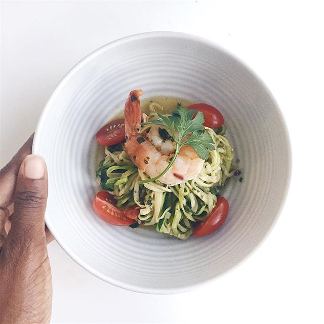 Zucchini (zoodles) pasta with tomato and chilies   easy + healthy dinner ideas   (V+GF)