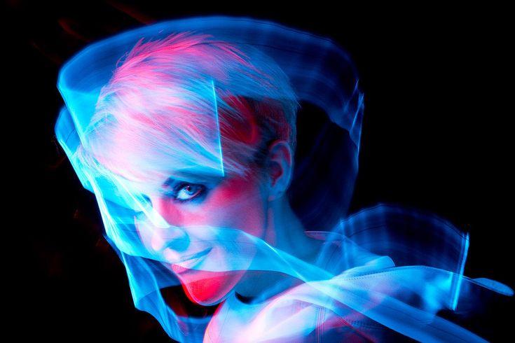 Risultati immagini per light painting portrait