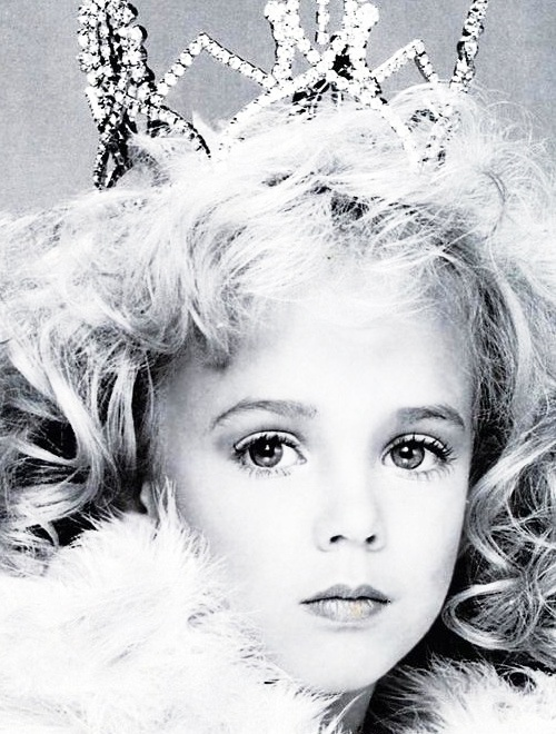 jon bennet ramsey This year marks 22 years since 6-year-old beauty queen jonbenét ramsey was found murdered in her family home, and the cold case is still just as.