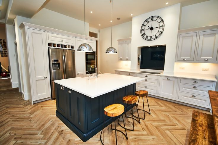 A traditional in-frame kitchen in Farrow and Ball's Wevet and Hague Blue