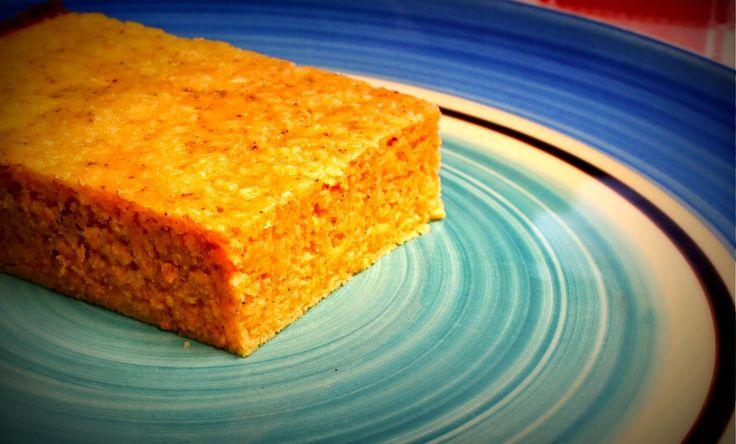 Bolo de Abóbora e Farinha de Coco Paleo. Delicioso e simples bolo sem gluten e sem açúcar adicionado.
