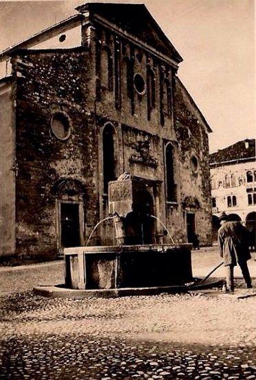 Piazza Duomo Belluno Dolomiti Veneto Italia