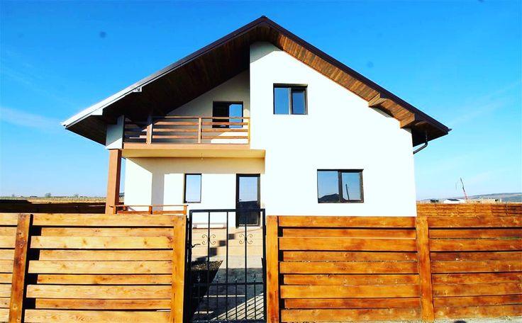 Zona Popas Păcurari are pe terenul său această vilă, racordată la utilități și cu 4 camere iar prețul este mai mult decât atractiv.  #casenoiiași.ro   http://www.casenoiiasi.ro/casa-vila-4-camere-de-vanzare-popas-pacurari-iasi-13116.html