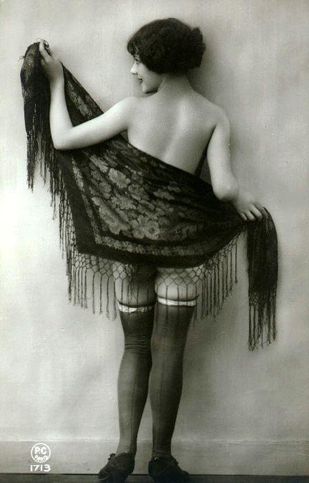 Vintage lady with shawl: Vintage Postcards, Vintage Erotica, Beautiful Paris, Vintage Photographers, Paris 1920S, 1920S Inspiration, Vintage Lady, 1920S Photo Shoots, Paris 1920 S