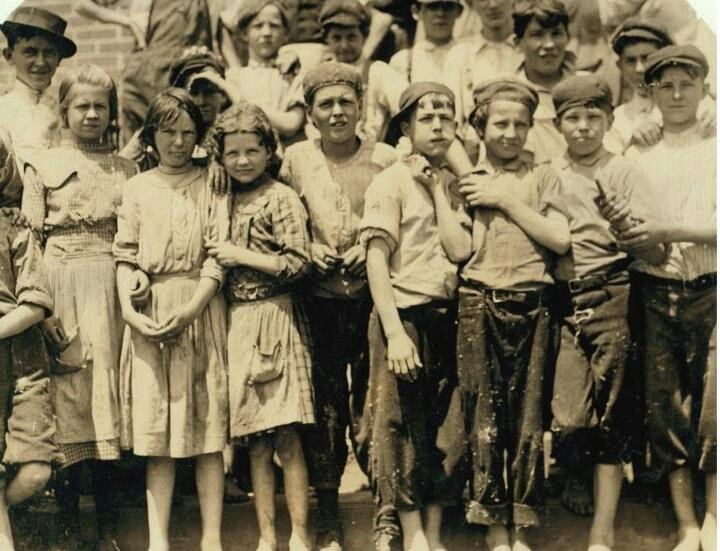 Child labors,  1913  Meritas Mills, Columbus Georgia. (Where I come from) . Photo by Lewis Hines photographer for National Child Labor Committee