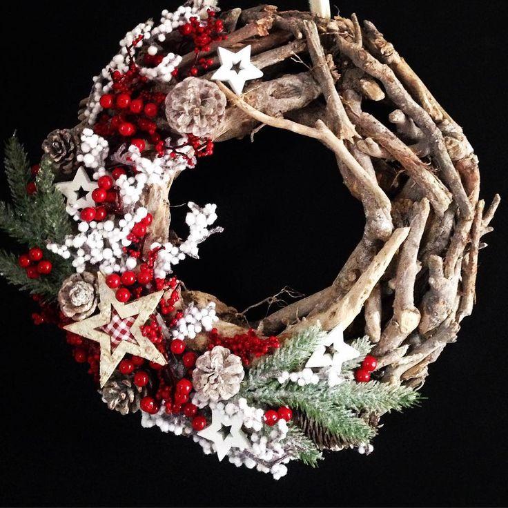 W naturalnych barwach z odrobiną świątecznej czerwieni