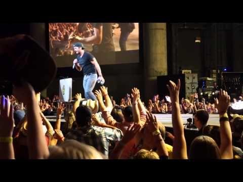 ▶ Luke Bryan Concert - YouTube...this video ROCKS!!! When he puuurrrrss @ 11:50...o.m.g. ;-)