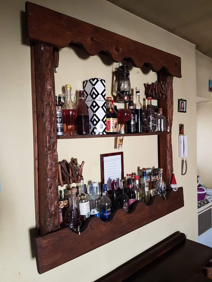 Porta bottiglie a parete, in pallet