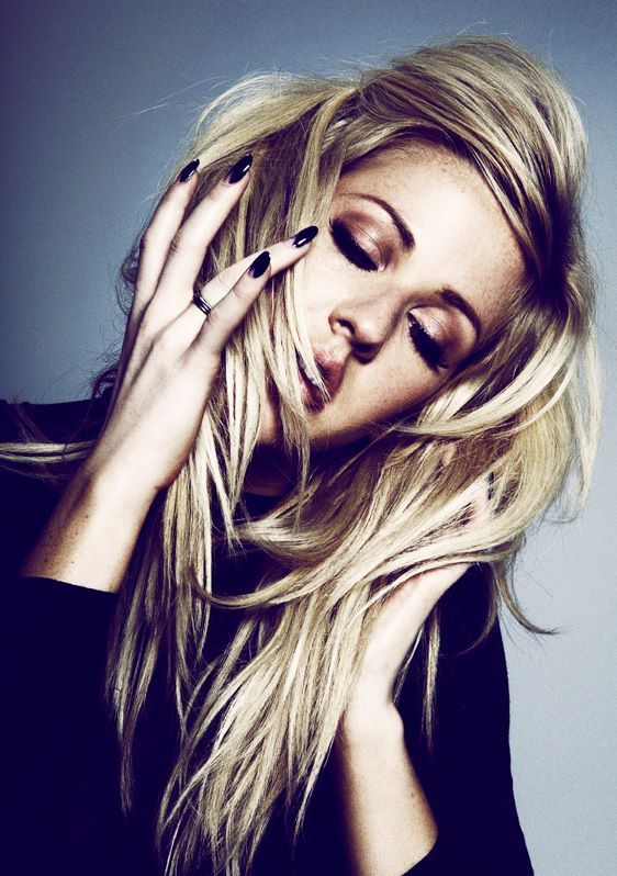 Ellie Goulding looking so FIERCE!