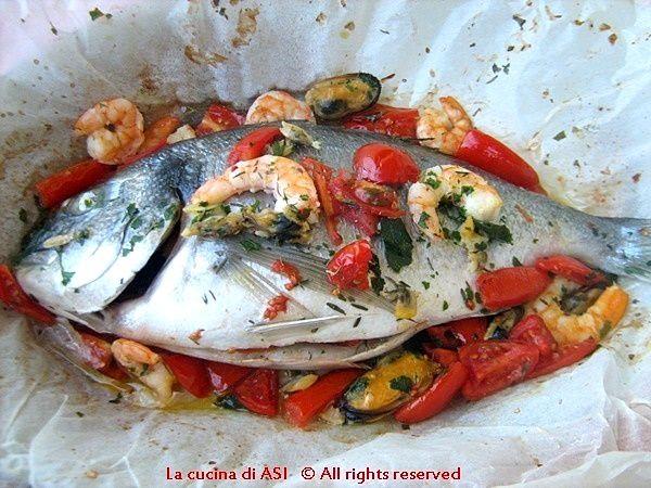 ORATA AL CARTOCCIO CON  FRUTTI DI MARE Ricetta secondo di pesce