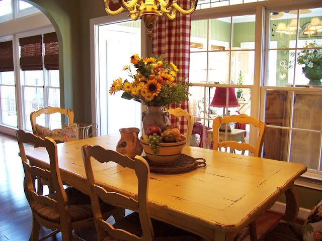 Savvy Southern Style: Love the buffalo plaid curtains and sunflowers