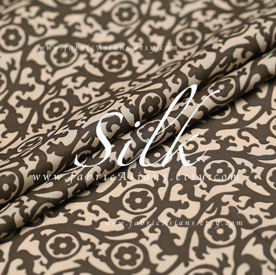 Crepe de Soie Marron et Beige Tissu damassé : Tissus Habillement, Déco par fabricasians