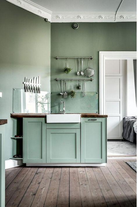 UNA CUCINA VERDE MENTA | pareti | Cucina verde, Cucine, Cucine colorate